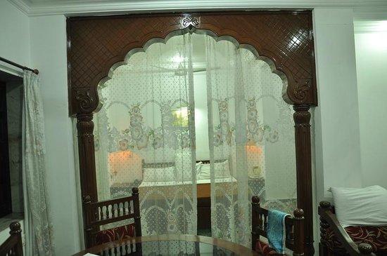 Hotel Chandan: Maharaja Suite Room