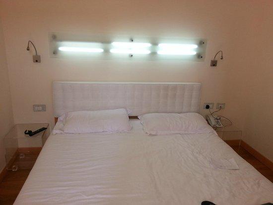 Venetia Palace Hotel : Bed