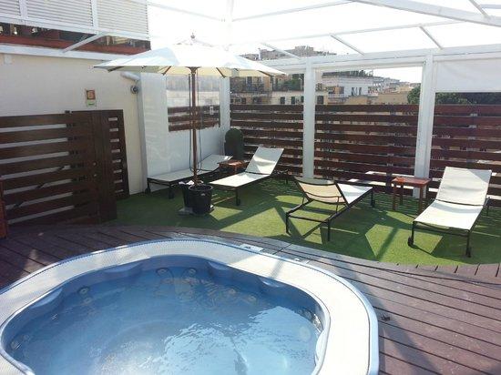 Venetia Palace Hotel: Hot Tub