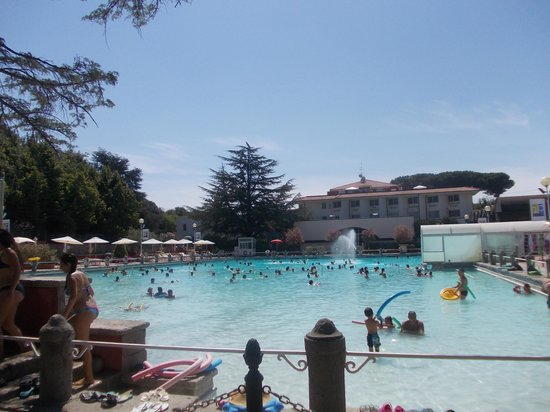 Terme dei papi piscina monumentale 4 picture of terme - Piscina monsummano terme ...