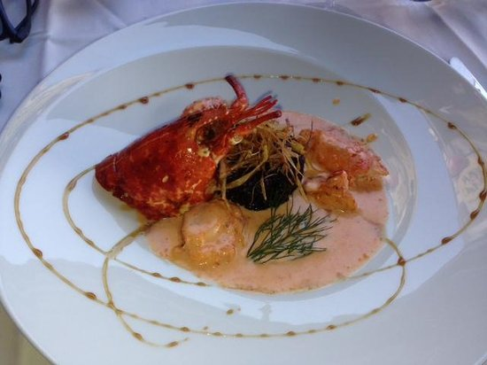 Restaurant Café de Paris : Black Squid Ink Risotto and Lobster