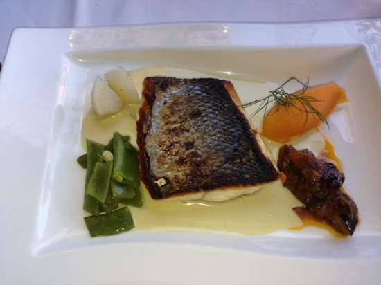 Restaurant Café de Paris : Seabass with oyster sauce