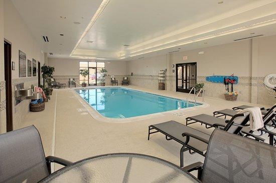 Hampton Inn Rochester-Irondequoit : Pool