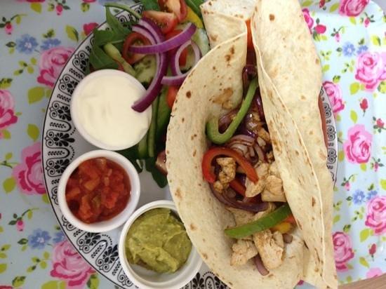 The Island Cafe : chicken fajitas with homemade guacamole! :) yummy