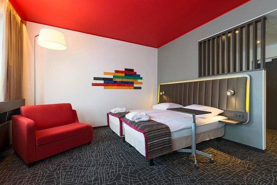 Park Inn by Radisson Central Tallinn: Superior Room with Sofa