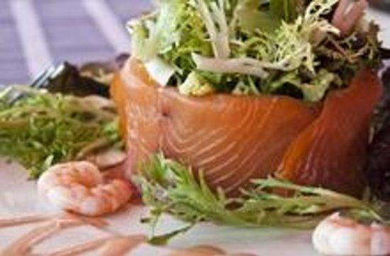 Restaurante Gavia: Ensalada de Salmón