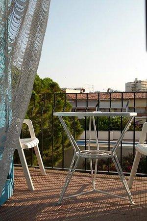 Hotel Bell Repos : Балкон нашего номера