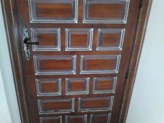 Hotel Rosa : la puerta de los alcantara