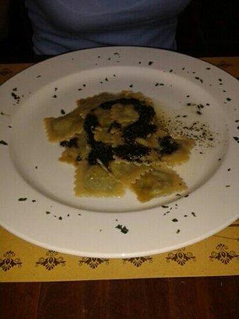 Exilles, Italien: mentuccia!???? FAME NERAAAAAA!!!! E questo piatto non la toglie affatto!!!