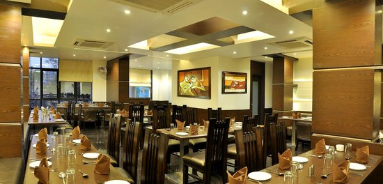 Hotel Shree Narayana: Multi-Cuisine Family Restaurant