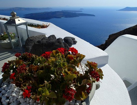 Iconic Santorini, a boutique cave hotel: Timeless days