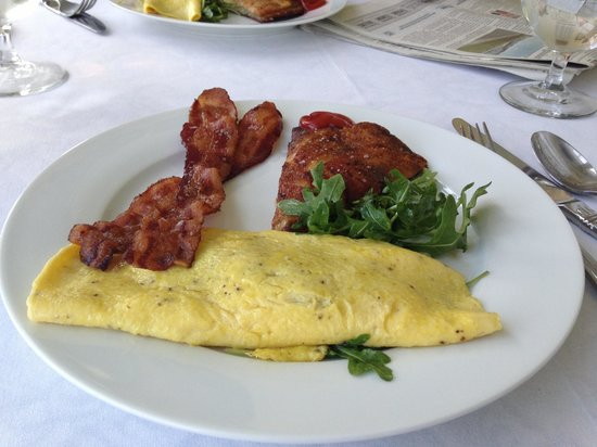 Blair Hill Inn: Duck confit omelet