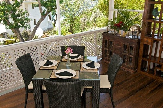 Half Moon Blue Hotel: Dining Area in Restaurant Cafe Havana