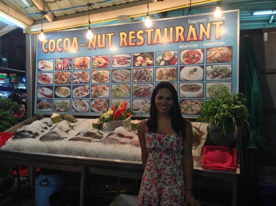 Cocoa-Nut Restaurant : Khun Bee @ Cocoa Nut