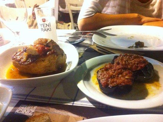 Lal Girit Mutfagi : girit lokumu ve kekikli kuzu etinin uyumu