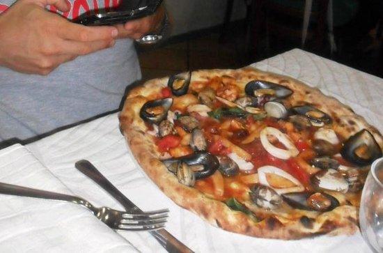 Pizzeria Ristorante Galante Tutino: Pizza Pescatora