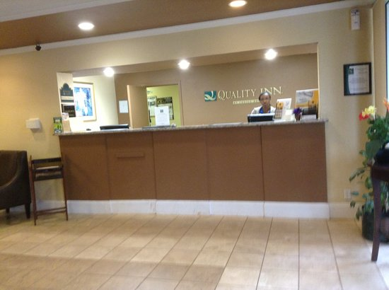 Red Roof Inn & Suites Anderson, SC: front desk