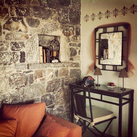 Stephanou Inn: G3