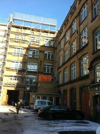 Ima Loft Apartment: Sicht von der Straße aus