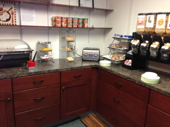Hotel Harrington: Breakfast station
