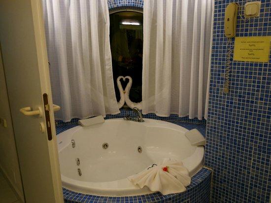 VIK Suite Hotel Risco del Gato : Vasca idromassaggio