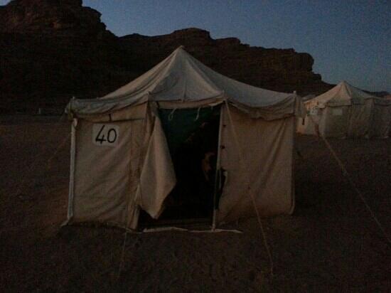 Jabal Rum Camp : La tenda
