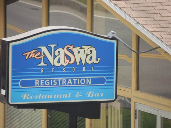 The Naswa Resort: Resort sign at office and registration