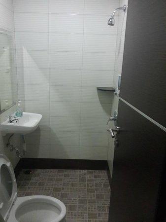 Istanaku Guesthouse : toilet
