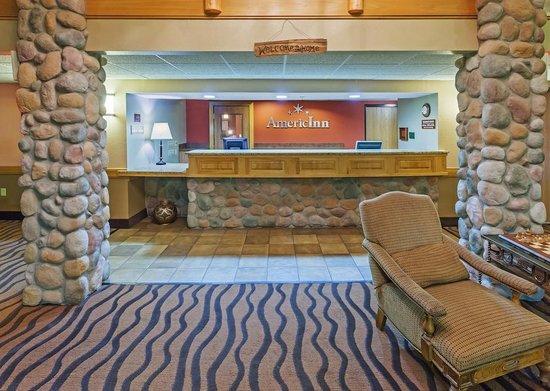 AmericInn Lodge & Suites Sayre : AmericInn Hotel Sayre - Front Desk