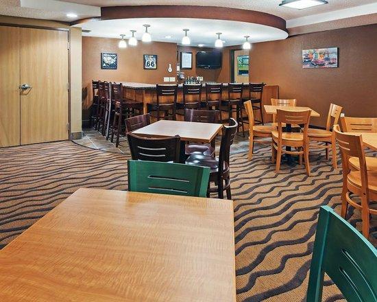 AmericInn Lodge & Suites Sayre : AmericInn Hotel Sayre - Bar
