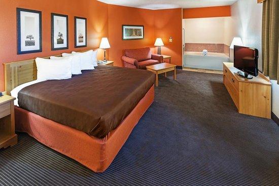 AmericInn Lodge & Suites Sayre : AmericInn Hotel Sayre - King Suite