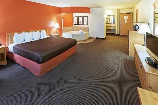 AmericInn Lodge & Suites Sayre: AmericInn Hotel Sayre - Whirlpool