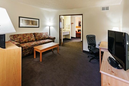 AmericInn Lodge & Suites Sayre: AmericInn Hotel Sayre - Two Room Suite