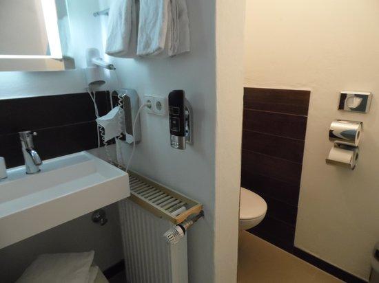 Hotel Schwarzenberg: badkamer