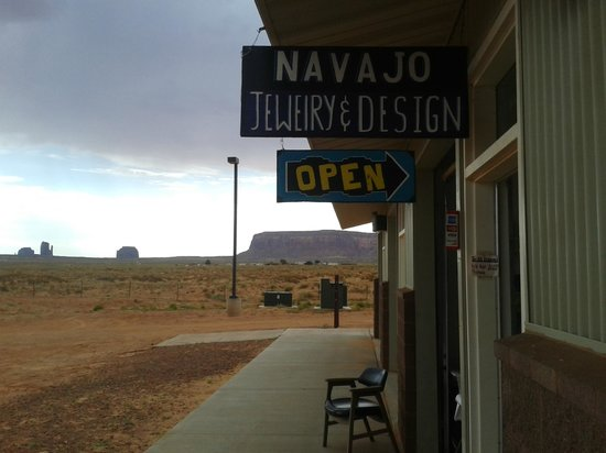Navajo Jewelry and Design