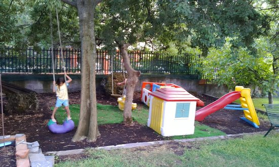 B&B Sotto il Vulcano: Children's play area