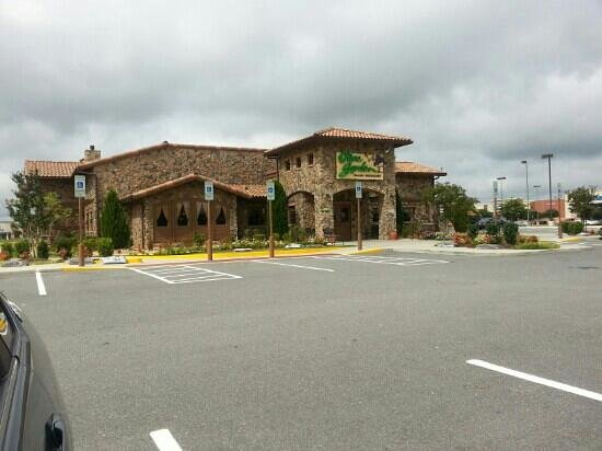 Olive Garden: view from Raleigh Rd