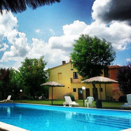 Castello di Saltemnano: la piscina