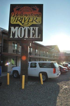 Yellowstone River Motel: Motel