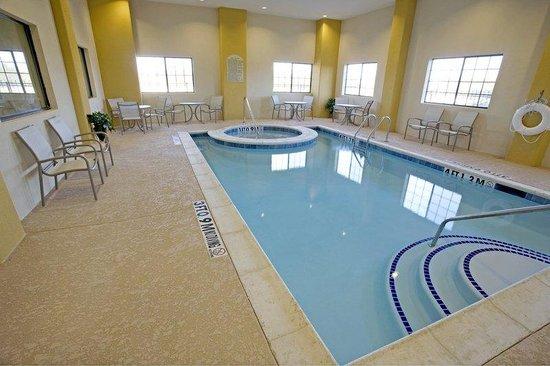 Days Inn Salado : Indoor Swimming Pool and Hot Tub