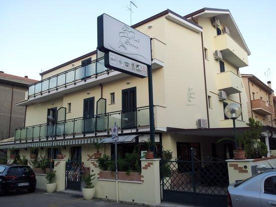 Hotel Sirena: Struttura esterna
