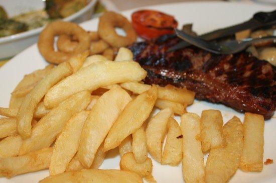 Lemon & Green Pepper Restaurant: Sirloin Steak with Chips