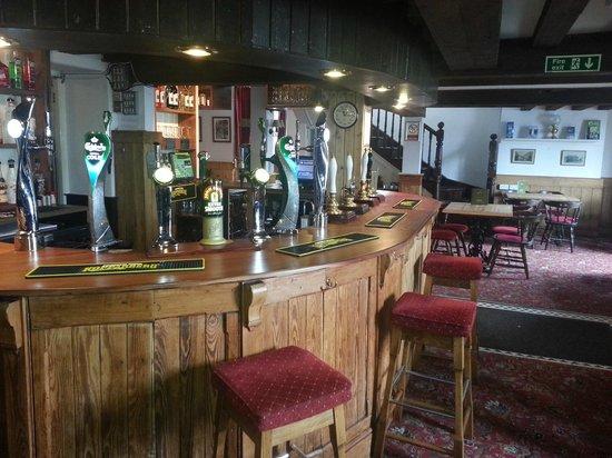 The Three Tuns Hotel: bar area