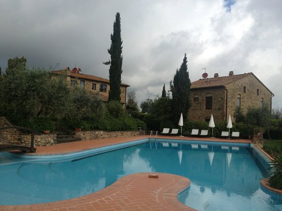 Rigone in Chianti: View of Rigone from the swimming pool