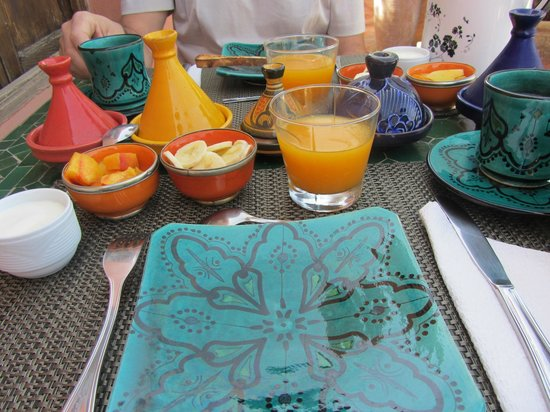 Riad Les Nuits de Marrakech : rijkelijk ontbijt