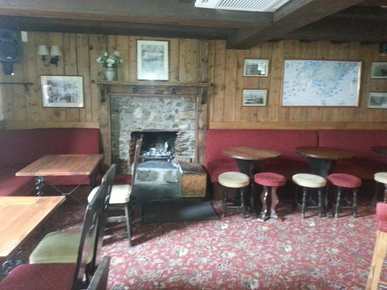 The Three Tuns Hotel: open fire place