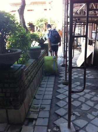 Sandat Hotel Kuta : cantiere