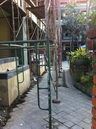 Sandat Hotel Kuta: cantiere