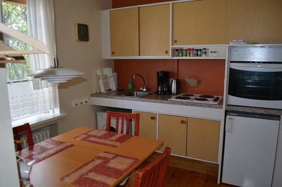Forsaela Apartmenthouse : view of the kitchen in the apartment