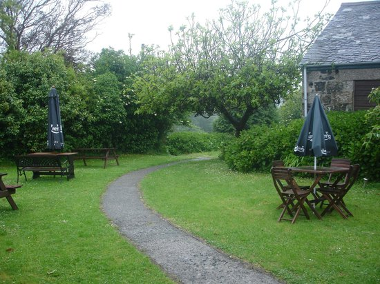 The Three Tuns Hotel: beer garden